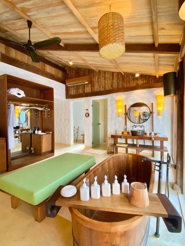 Phòng tắm ở Six Senses Ninh Vân Bay rất rộng