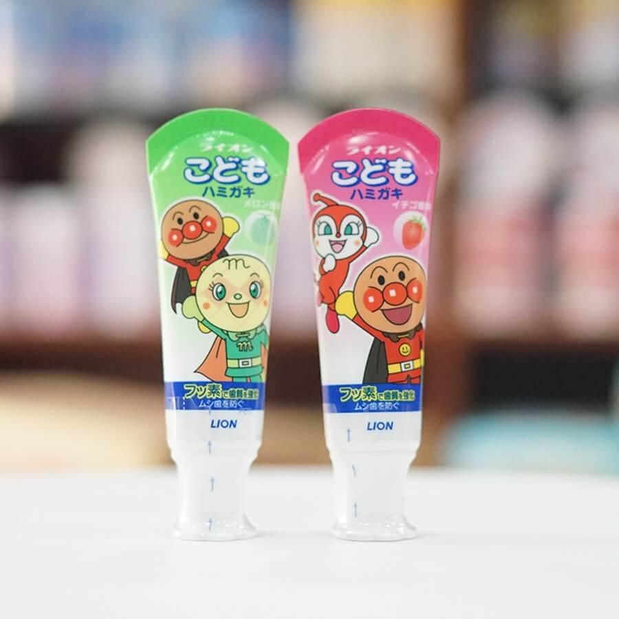 kem đánh răng cho bé